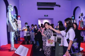 《安娜苏的艺想世界》时尚艺术展 登陆上海艺仓美术馆